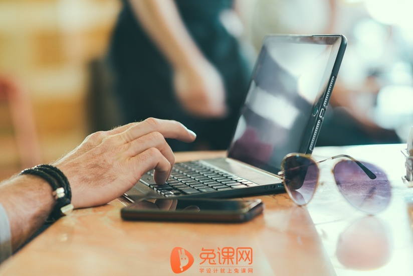sunglasses-hand-smartphone-desk-large